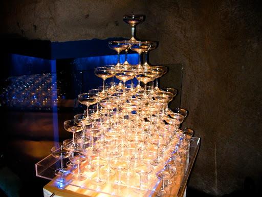 ホストクラブのシャンパンタワー