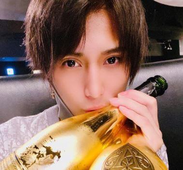大阪の人気ホスト-インスタ・Twitterベストフォト-霧咲虹音❶