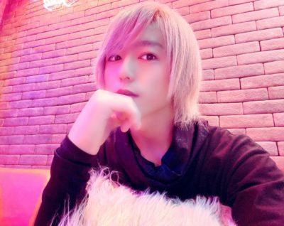 ホストカフェのイケメン店員画像②