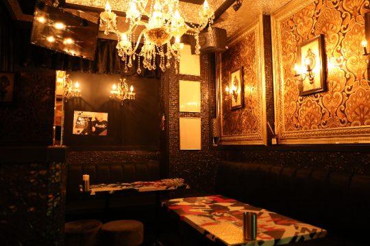 歌舞伎町のホストクラブ『ALPHA』の内観画像